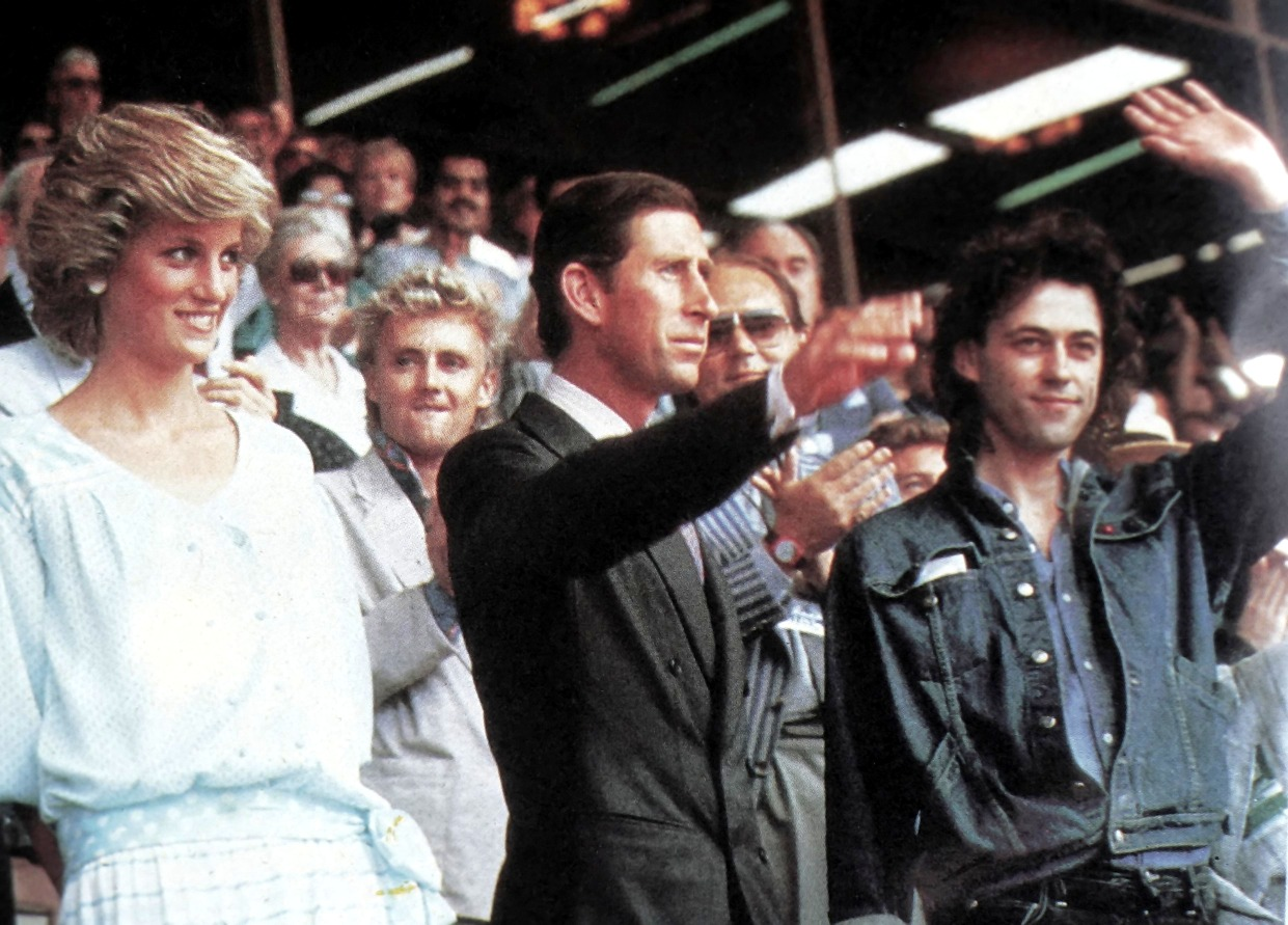 Live Aid, il saluto dei principi Diana e Carlo assieme a Bob Geldof