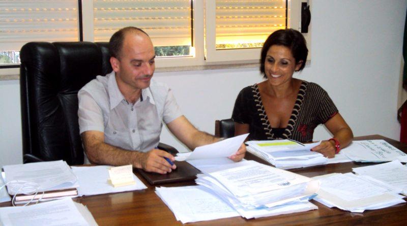 Il sindaco di Uta, Giacomo Porcu, e il suo vice Michela Mua