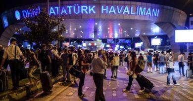 L'esterno dell'aeroporto Atatürk