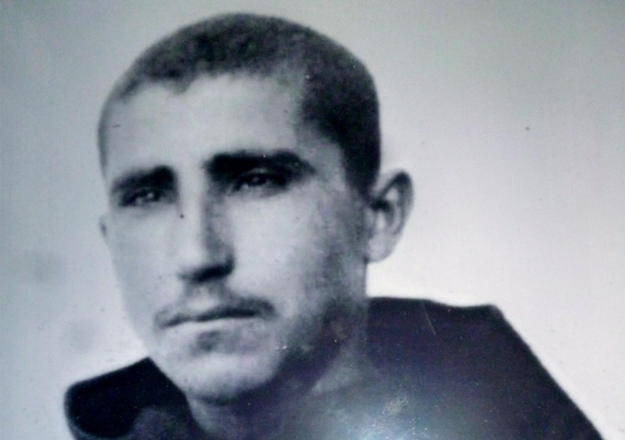 Nel 1930 (a 17 anni) con il primo saio di frate
