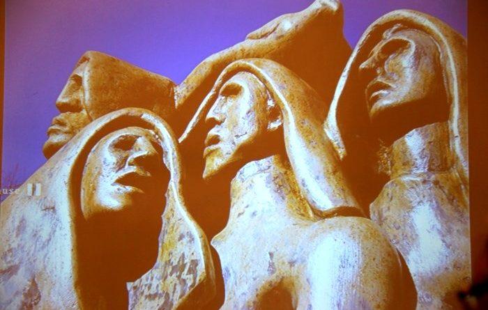 Un particolare della Stele commemorativa