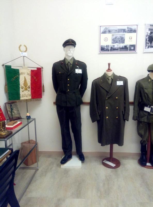 Divise al museo sardo per la Memoria Storica dei Vigili del Fuoco (foto Luca Pes)