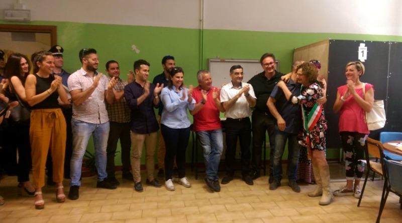"""I candidati della lista """"Progetto X Decimo 2.0"""" con la sindaca Anna Paola Marongiu"""