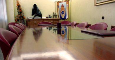 La sala giunta del Comune di Assemini