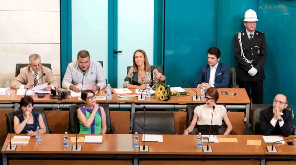Il primo consiglio comunale della sindaca Sabrina Licheri (foto Raffaele Schirra)