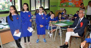 Il Presidente della Regione Francesco Pigliaru in visita alla scuola primaria di Villaspeciosa (foto Rachele Loi)