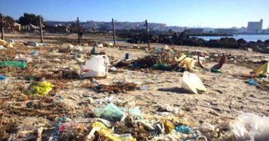 Lo stato disastroso della spiaggia di Giorgino (foto Vistanet)