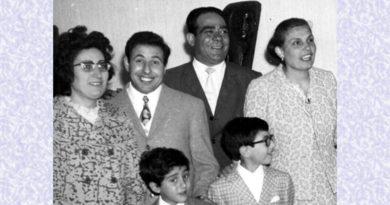 Primi anni '70 - Ettore Sergi con la sua famiglia e, a destra, il sindaco Fedele Lecis e consorte