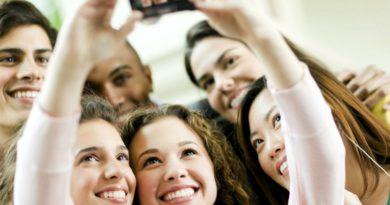 Un gruppo di adolescenti