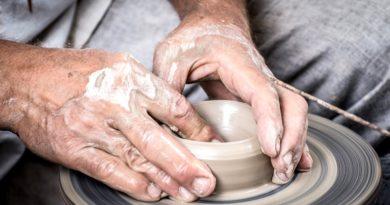Assemini, la scuola di ceramica è sempre più vicina