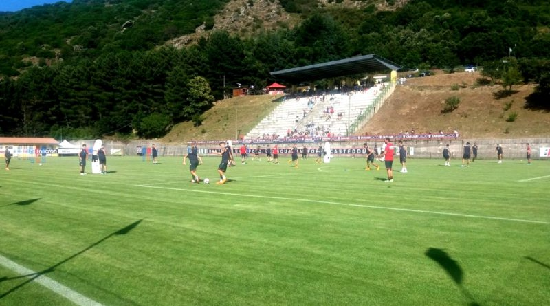 """Il Cagliari si allena allo """"Stadio del vento"""" di Aritzo (foto Fabio Ornano)"""