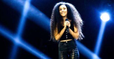 Luna Melis durante un'esibizione