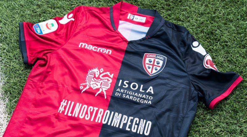 La maglia utilizzata in occasione di Cagliari-Juventus (foto Cagliari Calcio)