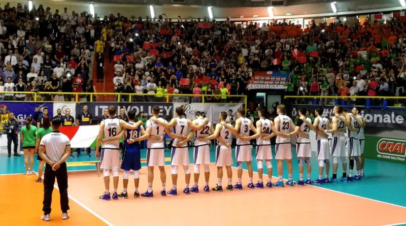 Lo spettacolo della Nazionale italiana di volley maschile al Pala Pirastu di Cagliari