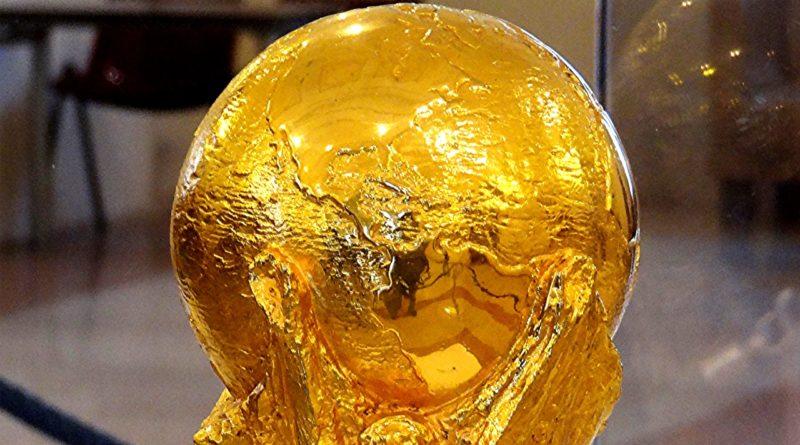 Calcio, le coppe della nazionale in mostra in tutta la Sardegna