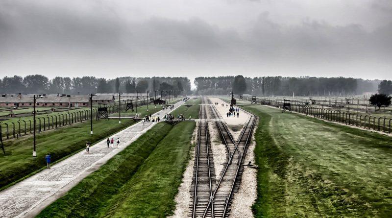Il campo di concentramento di Auschwitz - immagine Pixabay