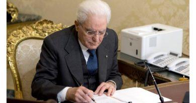 Sergio Mattarella firma il Decreto Cura Italia