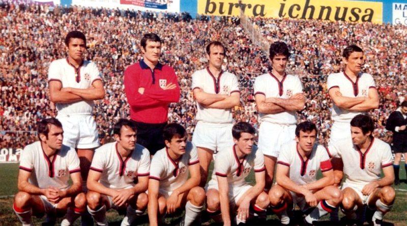 Una delle formazioni della stagione 1969-70 - © foto Cagliari Calcio