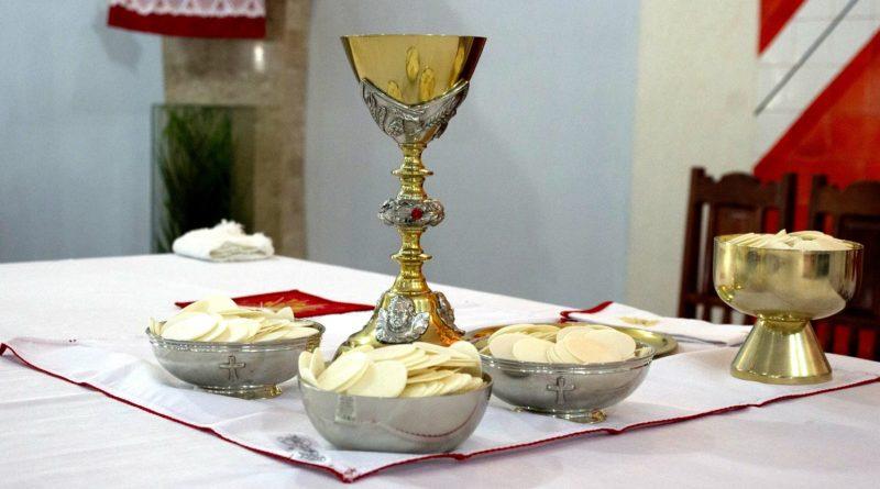 Chiesa altare eucarestia