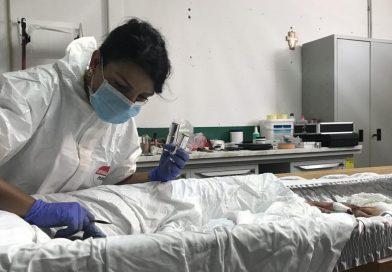 """Alessandra Marongiu, la tanatoesteta:  """"La mia professione è curare il viso dei defunti per dare loro  la giusta dignità nel loro ultimo giorno sulla terra"""""""