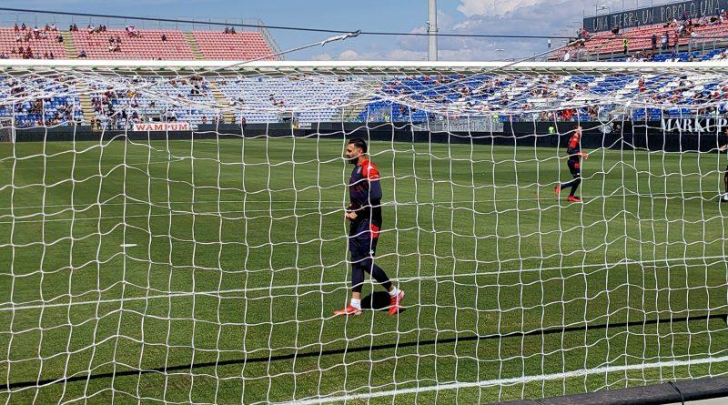 Il Cagliari fa harakiri e regala tre punti al Genoa